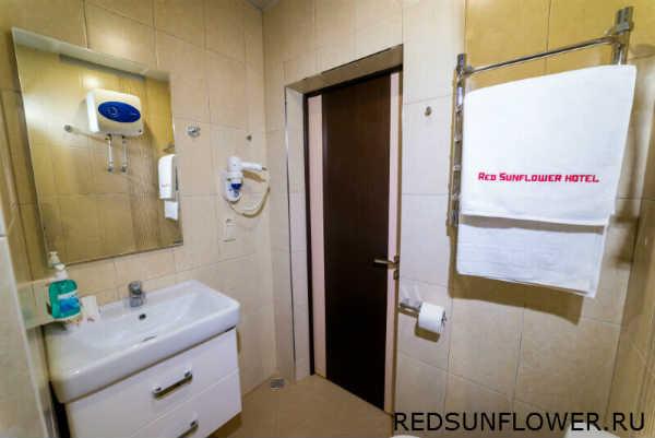 Туалетные принадлежности в ванной камнате гостиничного номера «Стандартдвухместный»