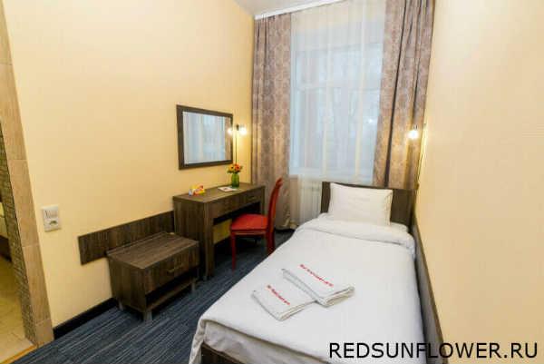 Интерьер номера «Стандартодноместный» в гостинице «КрасныйПодсолнух»